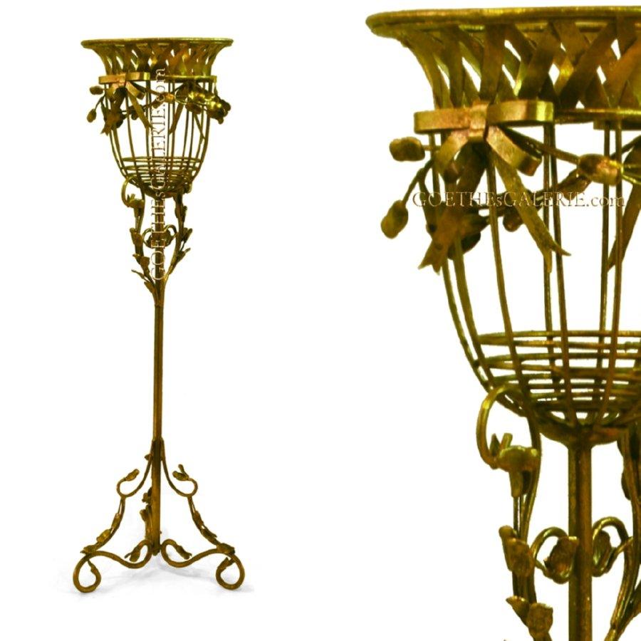 eleganter blumenst nder antik gold kerzenst nder. Black Bedroom Furniture Sets. Home Design Ideas