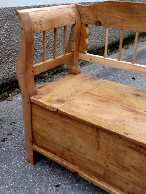 gro e antike sitztruhe k chenbank sitzbank landhaus. Black Bedroom Furniture Sets. Home Design Ideas